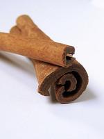 צמחי מרפא: קינמון cinnamomum